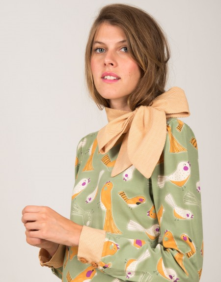 Camiseta Lady Bird con lazo detalle estampado