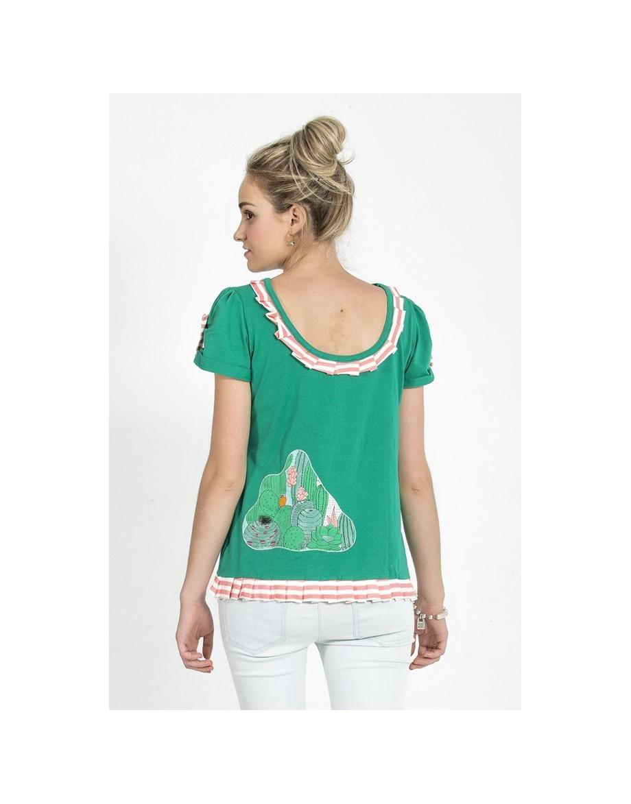Camiseta Mágical Verde escote en  espalda