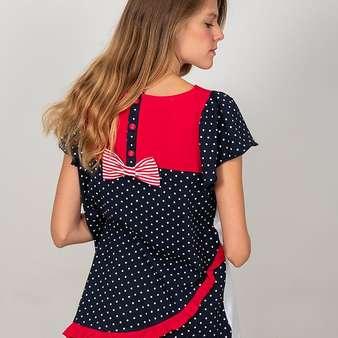 La Amapola Marina 🌺🌊 es una de nuestras #camisetasfavoritas. Sus colores y su pizpireta en la parte delantera nos fascinan 😍😍 Modelo: @gloria_sancho  . . . #camisetas #camisetasoriginales #modamujer #camisetasmoda #camisetasmujer #blusas #camisetasdiseño #blusasmujer #blusasdideño #blusasoriginales #moda #primaveraverano