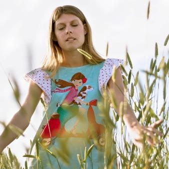 Éxito agotador. El Amor de Canelo, la camiseta más exitosa de la temporada está a punto de llegar. La reponemos en todas sus tallas. En breve disponible nuevamente en la web. . . . . . . #lagatalocaonline #camisetasoriginales #moda #lagataloca #primaveraverano #modamujer #BohemianPhylosophy #blusamujer #blusasmoda #camisetasmujer #blusasmujer #camisetasdiseño #camisetasdibujadas #tiendaderopa #ropamujer