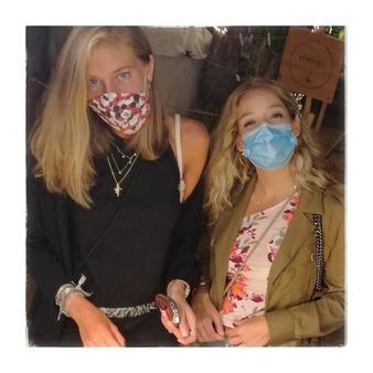 Pretty girls in La Gata Loca. #lagataloca_lachattedivine #Bohemian Philosophy#